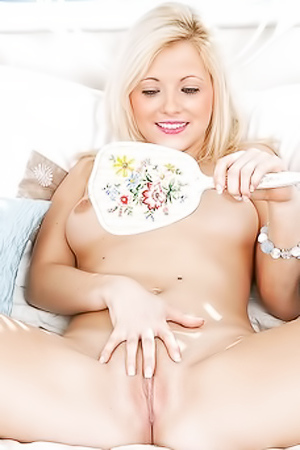Amateur Blonde Candy Sarah Saint Relaxing At Home