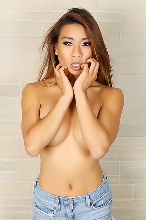 Annie Shows Off Her Big Boobs As She Gets Topless