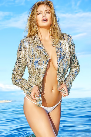 Sports Illustrated Swimsuit Cover Girl Kate Upton