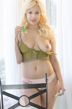 Kylie Page In Posure