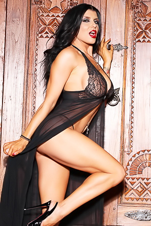 Romi Rain Lady Or Vamp?