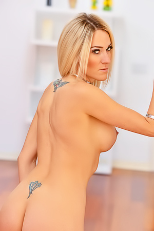 Extremely Hot Blond Blake With Tight Pussy