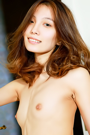 Elegant, Slinky And Sexy, That's Russian Beauty Anna Aki