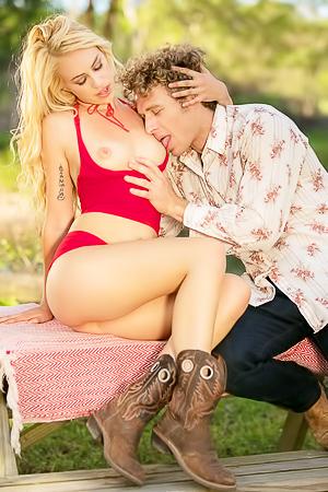 Sexy Girl Lyra Law Having Sex Outdoors