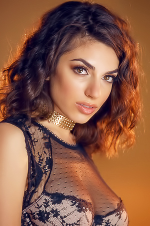 Gorgeous Darcie Dolce Strips Naked