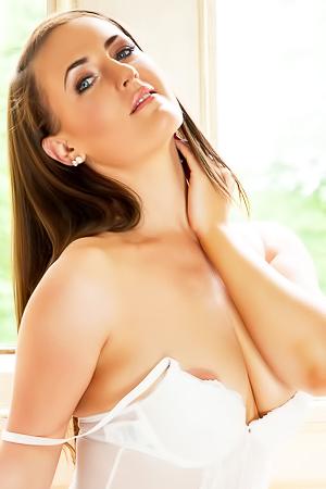 Victoria Roberts Posing Topless On Heels