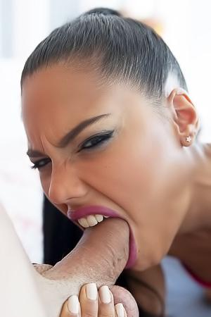 Sexy Girl Apolonia Lapiedra Making Best Blowjob