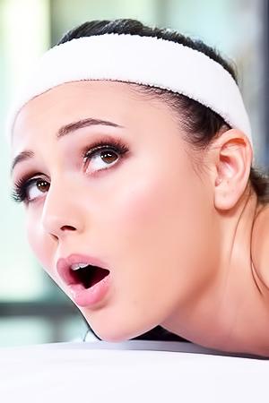 Sporty Babe Ariana Marie Fucked Deep