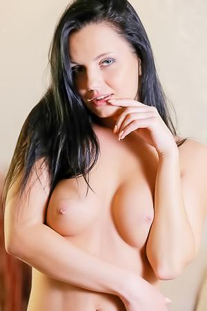 Erotic Brunette Babe Solana Rebel Posing