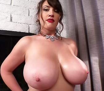 Sexy Big Boobed Model Lana Kendrick