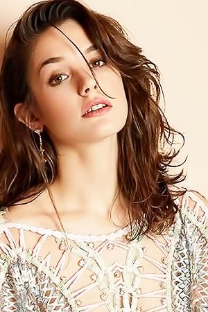 Sexy Actress Sai Bennett