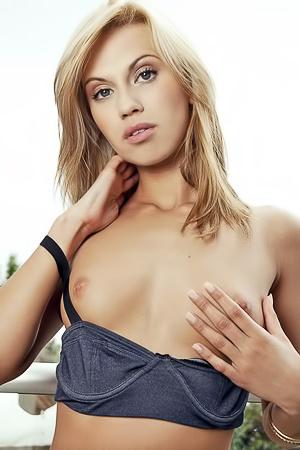 Justine Miller playmate