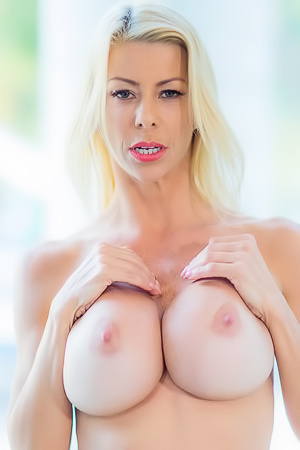 Big Boobed Pornstar Alexis Fawx