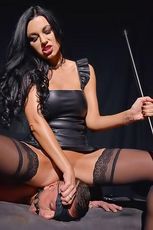 Ania Kinski in BDSM Chamber