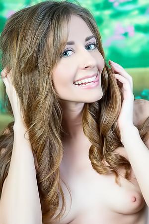 Olwen Sexy Nude Girl