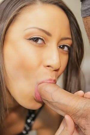Cassie Del Isla Sucking Cock And Record Video On Iphone