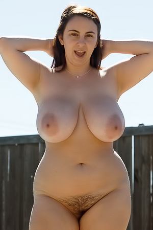 Milly Marks Texas Sized Curves Zishy