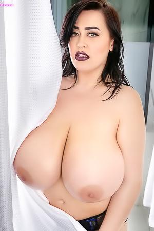 Leanne Crow