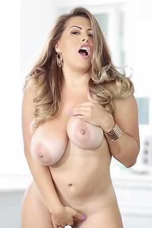 Alessandra Miller Big Naturals