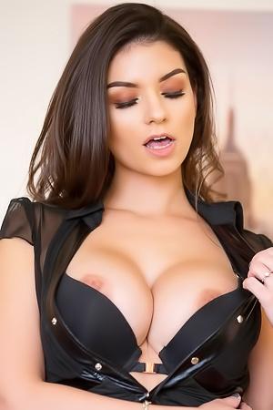 Krystal Webb Is A Famous Porn Star