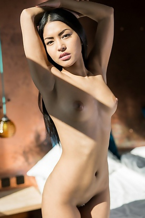 Chloe Rose Morning Striptease