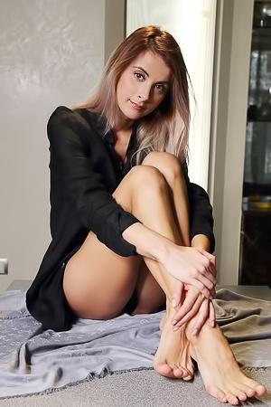 Cute Brunette Hottie Benita B